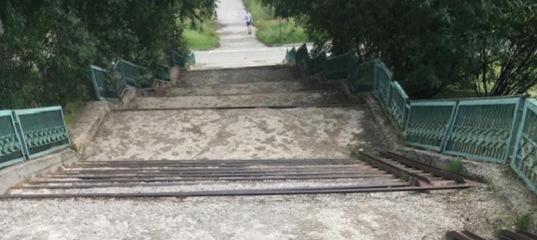 Пошел четвертый год ожидания, когда же отремонтируют лестницу у дома №17 по пр-ту Космонавтов