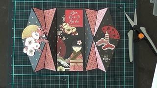 Double Diamond Fold Card & Geisha Girl