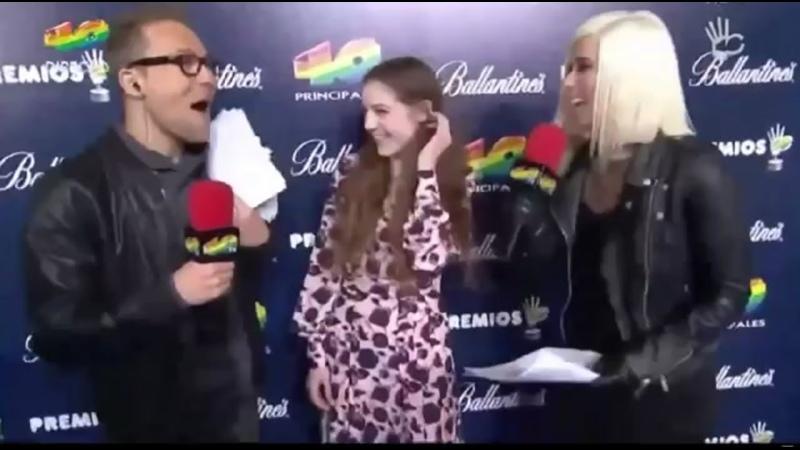 Entrevista a Birdy Alfombra Azul Premios 40 Principales 2014