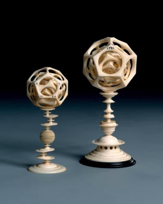 Многогранники (напоминают римские додекаэдры) из слоновой кости, 1581-1584 гг. н.э.
