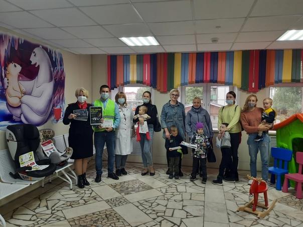 Партийцы совместно с сотрудниками ОГИБДД в рамках партийного проекта «Безопасные дороги» напомнили