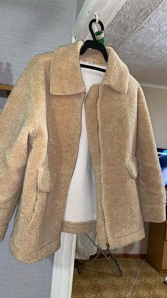 Продам куртку в хорошем состоянии.Носила как осень...