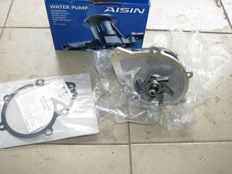Купить водяной насос на Toyota land cruiser Prado   Объявления Орска и Новотроицка №27944