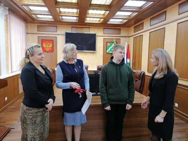 Даниил Наумов получил ключи от квартиры