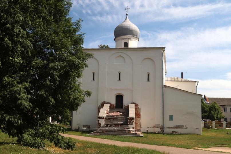 Великий Новгород. Церковь Успения на торгу