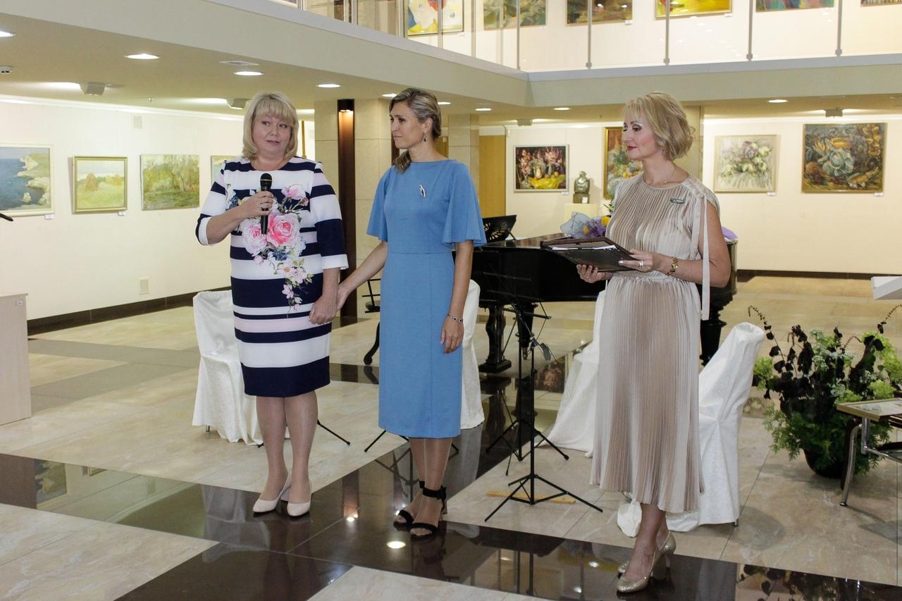 Художественный музей «Арт-Донбасс» отметил 10-летие открытием масштабной выставки «Квинтэссенция АРТа»