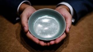 Рекорд на аукционе: китайская императорская чаша за $37,7 млн (новости)