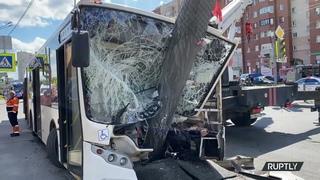 Кадры аварии с автобусом в Санкт-Петербурге 27 мая 2021